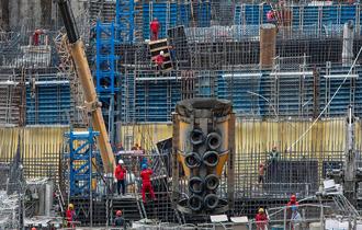 乌东德水电站机组投产过半