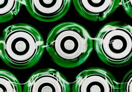 新负极材料让充电电池容量高寿命长
