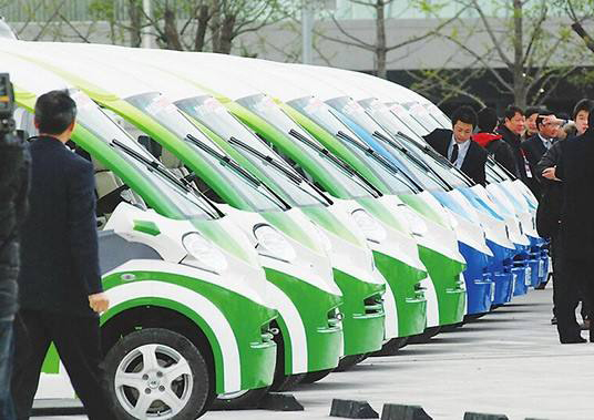 发展新能源车须补上电池技术短板