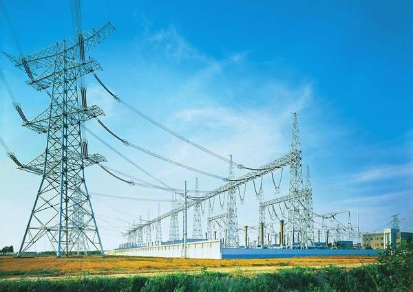 中国特高压工程顺利完成带电作业模拟试验