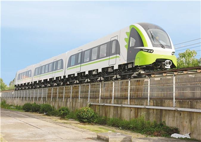 我国首列商用磁浮2.0版列车下线