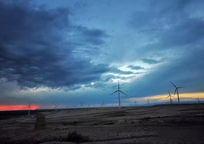 """新疆前三季度新能源""""升温"""" 发电量增长弃电率下降"""