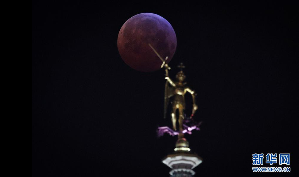 """""""超级红月亮""""现身加州掀起观月热"""