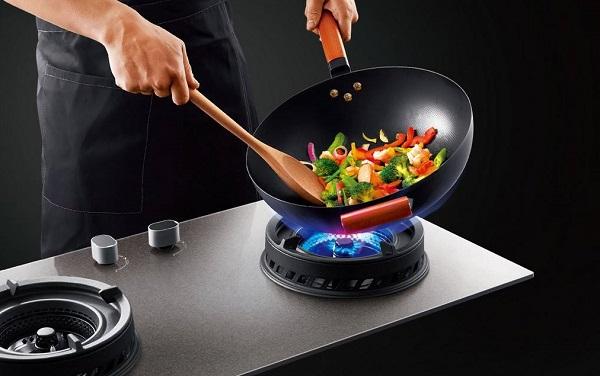 进出厨房的你注意过燃气灶的安全吗?