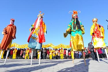 甘肅張掖:排練社火迎春節