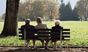 老年人应如何防护?