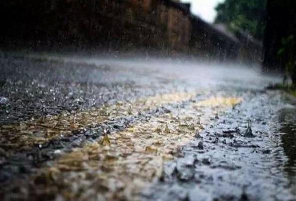 暴雨天氣下,如何安全行車