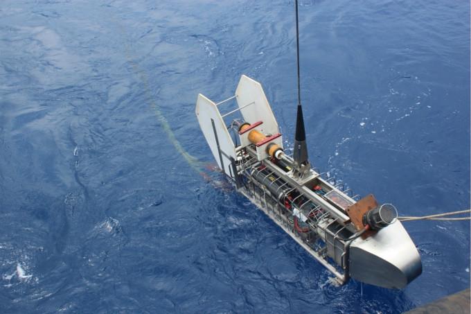 海洋电磁技术的发展与探索