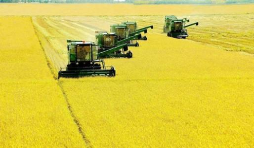 提升农业机械化水平 促进现代农业发展