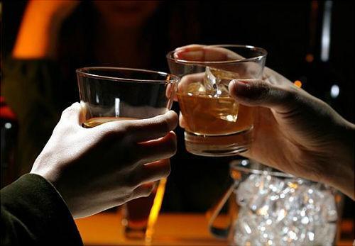 喝酒为什么要碰杯