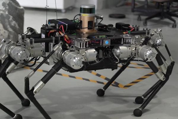 六足机器人 青骓