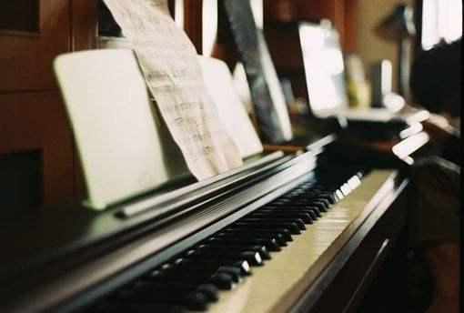 钢琴里的杠杆原理