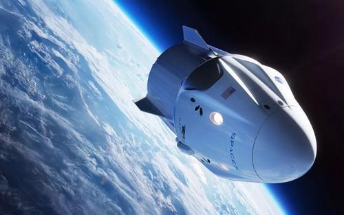 """美國""""龍""""飛船載兩名宇航員返回地球"""