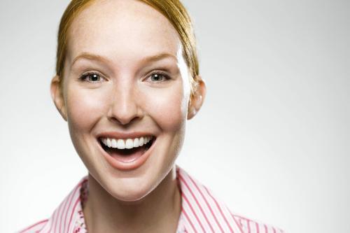 瑞士巴塞尔大学最新研究发现:多笑比大笑更延年益寿