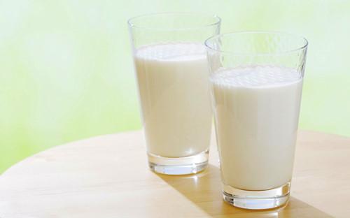 追求新鮮喝生奶小心喝出傳染病