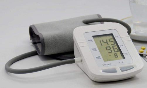 如何選擇適合的血壓計?