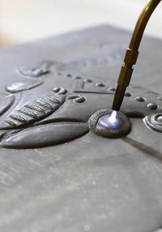 傳承鐵板浮雕技藝