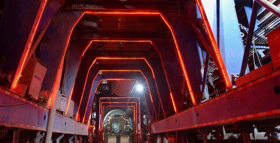 中老铁路跨境隧道建设顺利推进