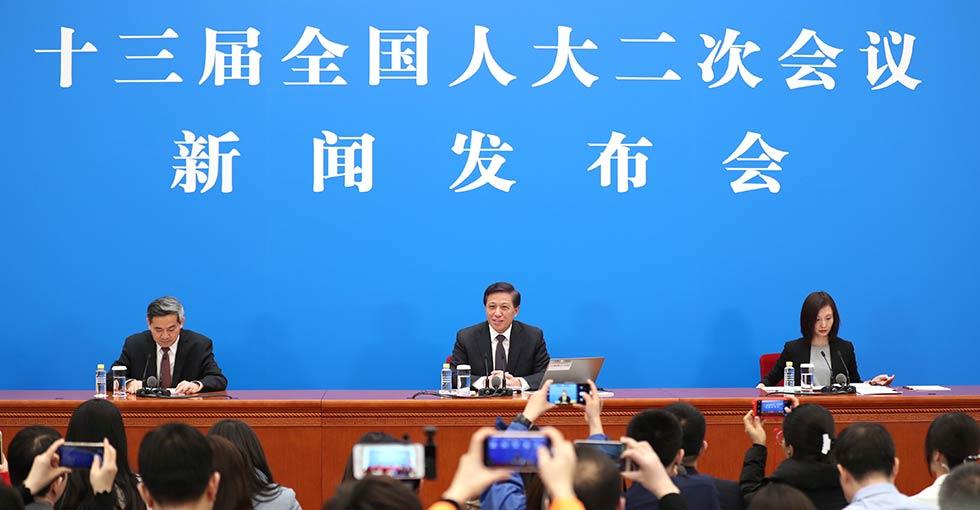 """متحدث باسم الدورتين السنويتين: 152 دولة ومنظمة دولية وقعت اتفاقيات حول مبادرة """"الحزام والطريق"""" مع الصين"""