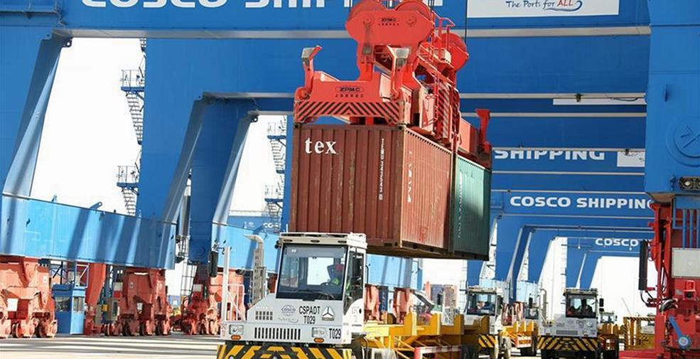 中遠海運阿布扎比碼頭首次迎來大型船舶靠泊作業