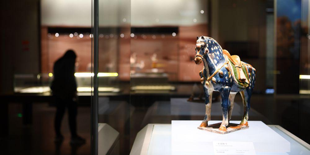 Международная выставка культуры и искусства Великого шелкового пути открылась в Дуньхуане