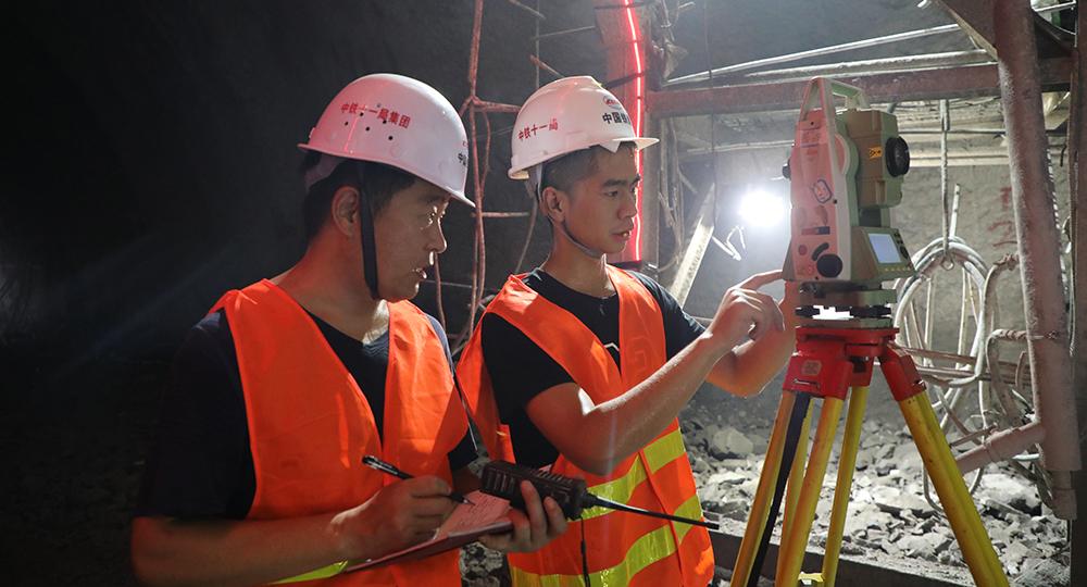إكمال حفر نفق على خط سكة حديد بين الصين ولاوس