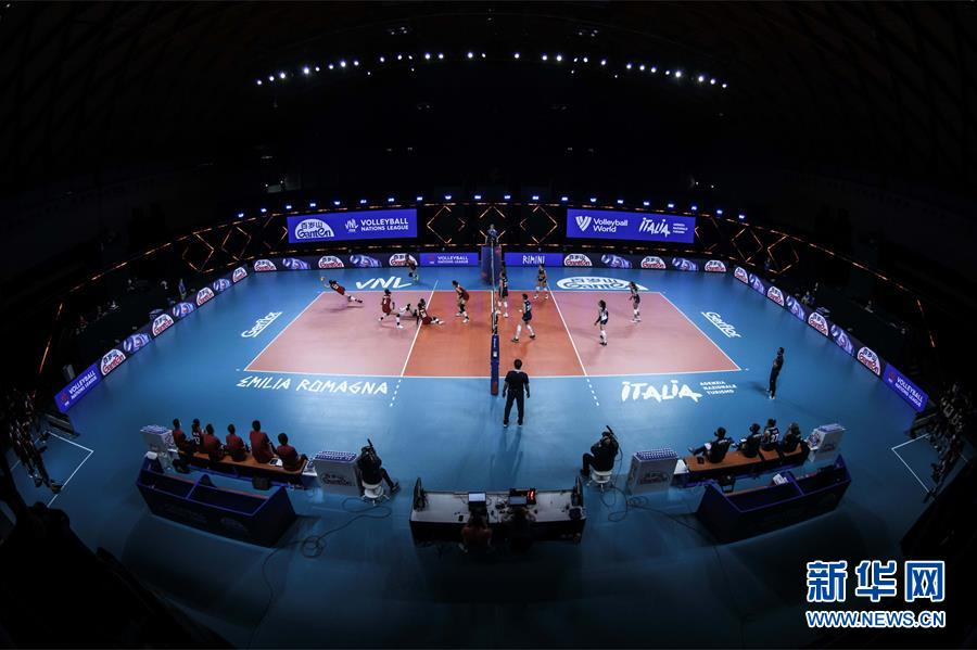 (体育)(4)排球——世界女排联赛:中国队战胜意大利队