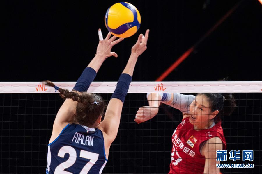(体育)(5)排球——世界女排联赛:中国队战胜意大利队