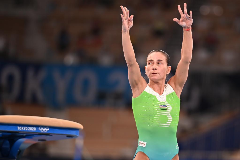 """摩鑫娱乐注册""""丘妈"""",再见!——46岁体操名将丘索维金娜遗憾结束第八次奥运之旅"""