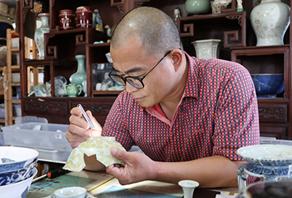古瓷片收藏家罗国新:于破碎之中 守护历史之美
