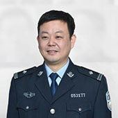 """鄭州鐵警春運""""打黃牛""""果斷""""出重拳"""""""