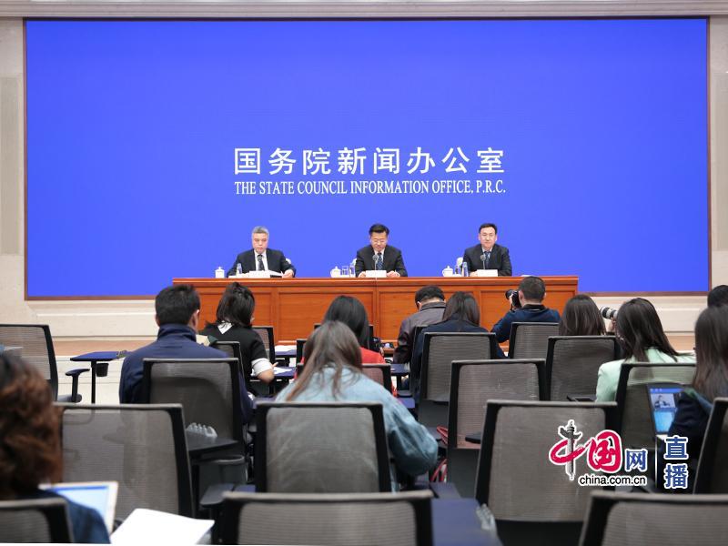 赵大程介绍2018年全国行政复议、行政应诉总体情况