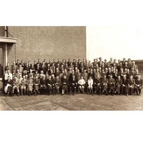 1914年:受歐洲工業革命的刺激,飛利浦在1914年成立了第一個研究室……【點圖查看詳情】