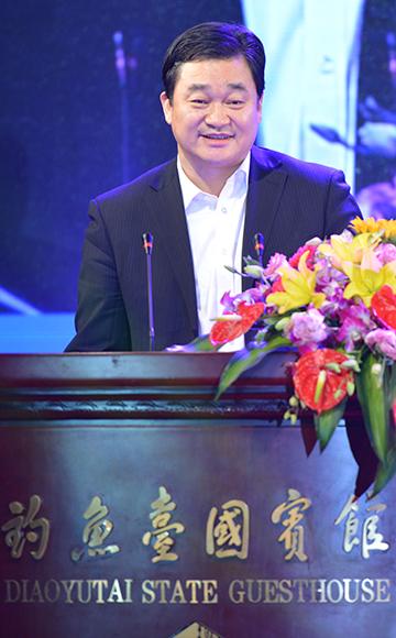 新華網董事長兼總裁田舒斌致辭
