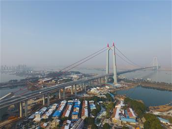 杭瑞高速洞庭湖大橋建成通車