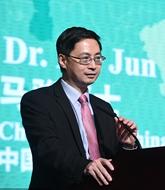 """專訪:綠色金融助力""""一帶一路""""可持續發展——訪中國綠金委主任馬駿"""