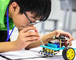 機器人競賽激發學生創造潛能
