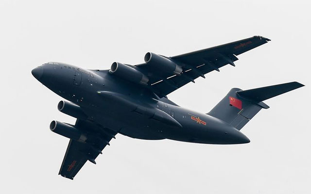 運-20大型運輸機在飛行