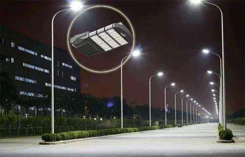 5G+智慧路燈充電樁亮相運營