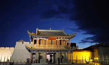 甘肅嘉峪關迎來旅遊旺季