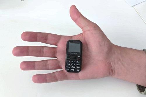 世界上最小的手机:Zanco Tiny T2 重量只有31克
