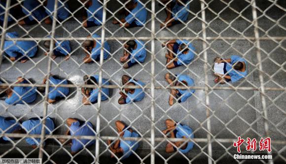 探訪泰國重刑犯監獄 高墻內供奉佛像