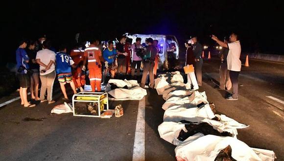 泰國發生嚴重車禍 致14人死亡