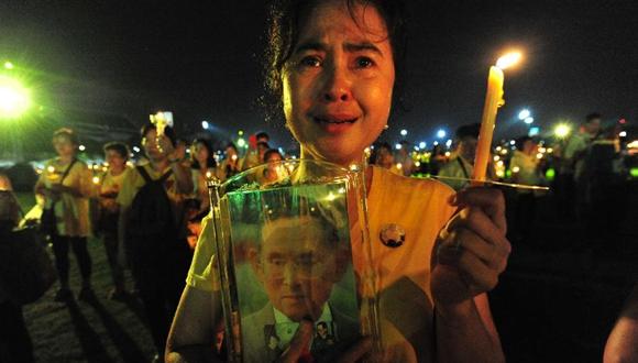 泰國民眾紀念先王普密蓬逝世兩周年