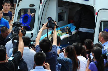 2歲男童墜40米深井 成功獲救