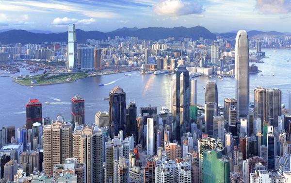"""香港""""占祸""""周年反思:找对路径方能花开繁盛"""