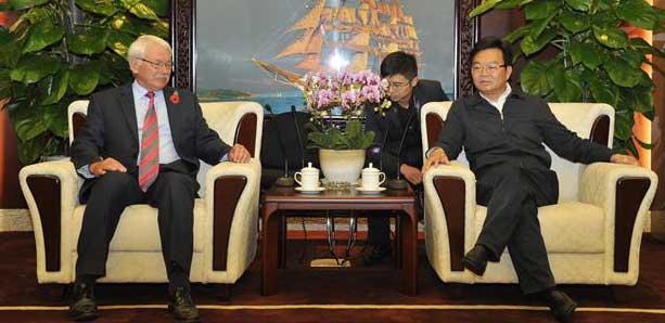 浦荣皋会见国际建联专家团队及华严集团代表一行