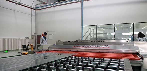 高新区新型LED智能玻璃填补国内空白