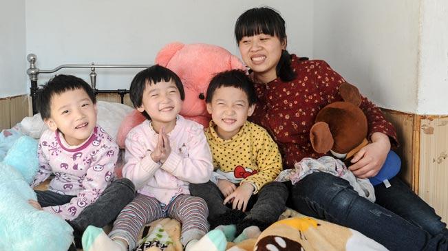 撑起大爱伞 救治三病女 - wangxiaochun1942 - 不争春