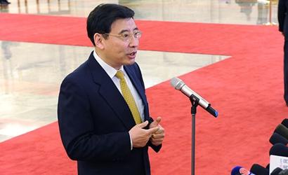 """苗圩:對新能源汽車騙補行為""""零容忍"""""""